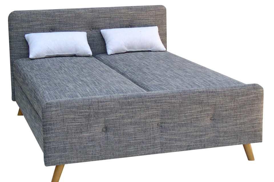 57ac5169596c Čalúnená manželská posteľ s predným a zadným čelom s úložným priestorom.