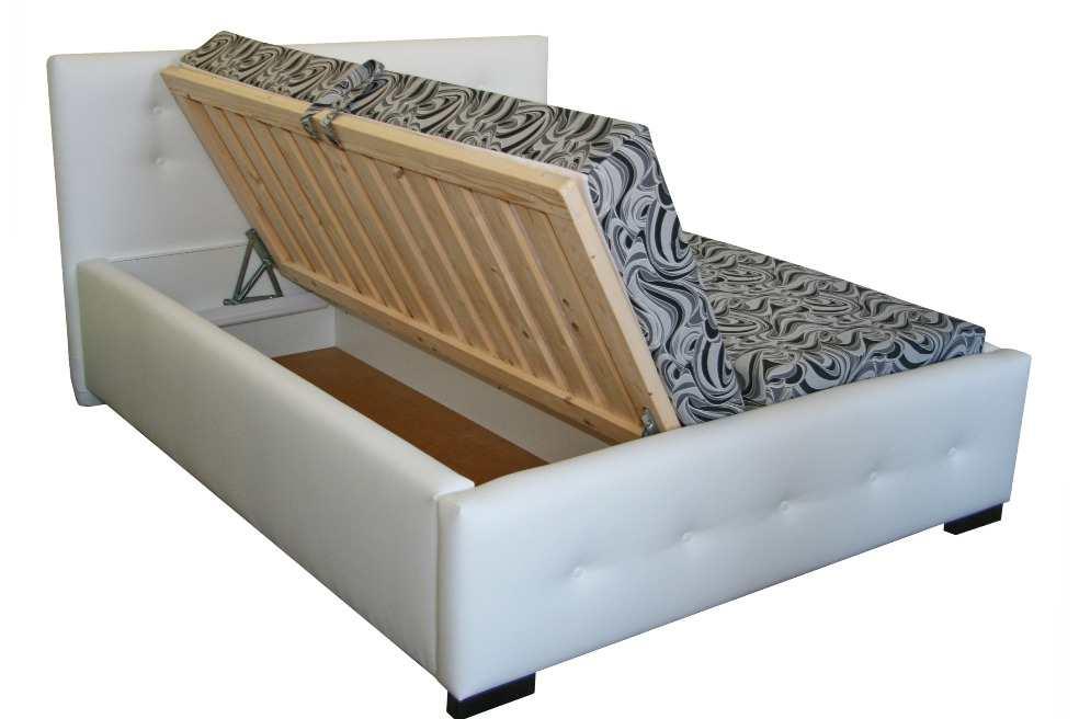 4ed9b80f9a138 Moderná čalúnená manželská posteľ, s hrubými bočnicami, štýlovým predným a  zadným čelom, vkladanými matracmi a úložným priestorom.